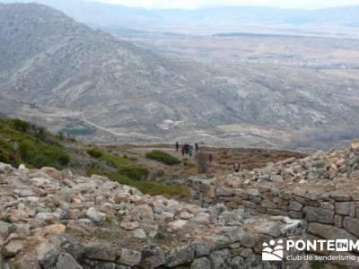 La sierra de Paramera - Castillo de Manqueospese / Aunqueospese - Castro Celta de Ulaca; senderos la